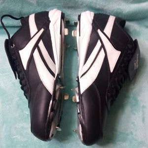 Reebok men shoes with cleats